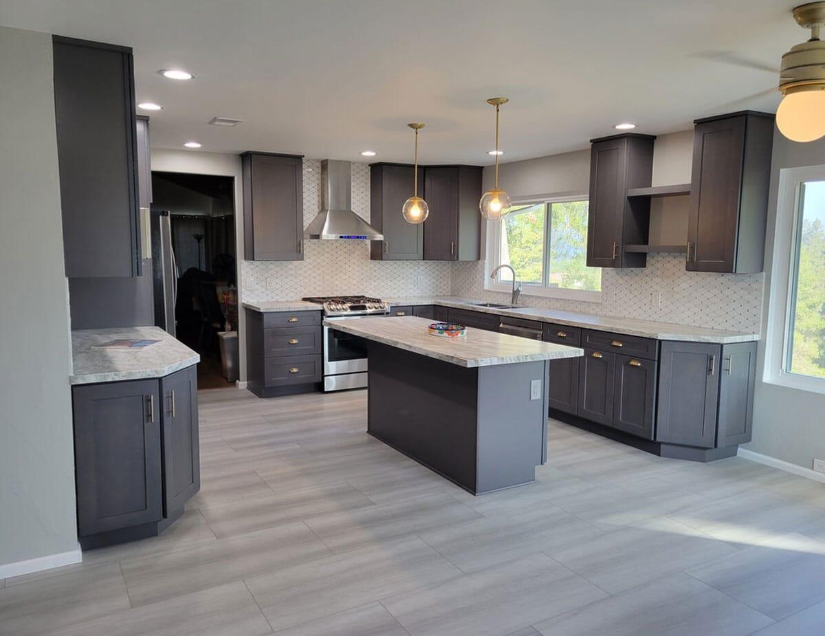 El Cajon – Large Open Kitchen